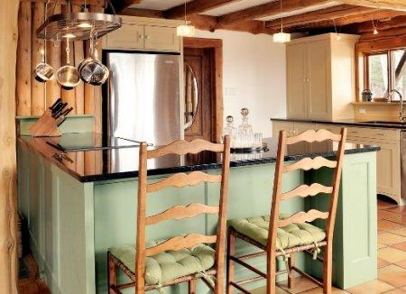 Обустраиваем кухню в загородном доме