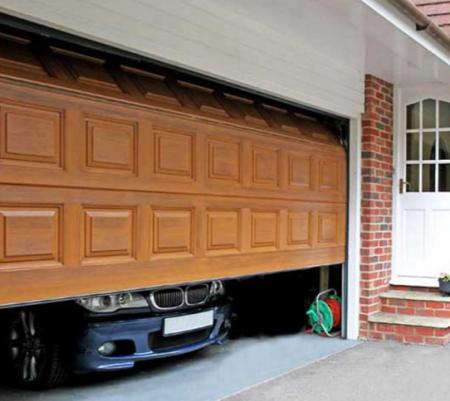 Основные виды автоматических подъемных гаражных ворот