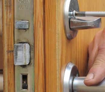 Особенности монтажа различных видов дверей