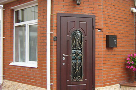 Плюсы и минусы металлической двери