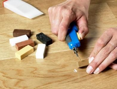 Топ-3 способа убрать царапины с ламината навсегда