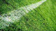 Что лучше для футбольного поля: трава или искусственное покрытие?