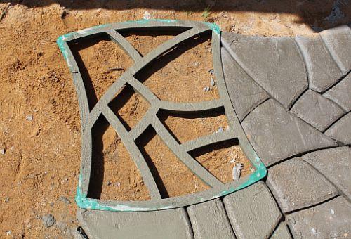 Как сделать формы для садовых дорожек