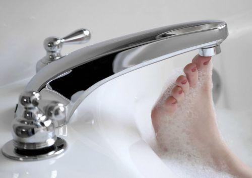 Как превратить бесполезную маленькую ванную комнату в функциональное помещение?