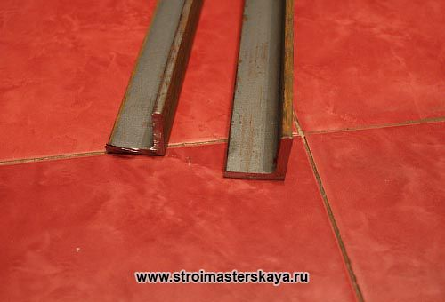 Монтаж стальной ванны на опоры из уголка