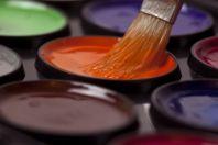 Краска и кисть