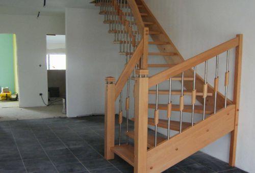 Сооружение деревянной лестницы на второй этаж