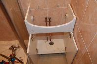 Как поставить тумбу под раковину в ванной