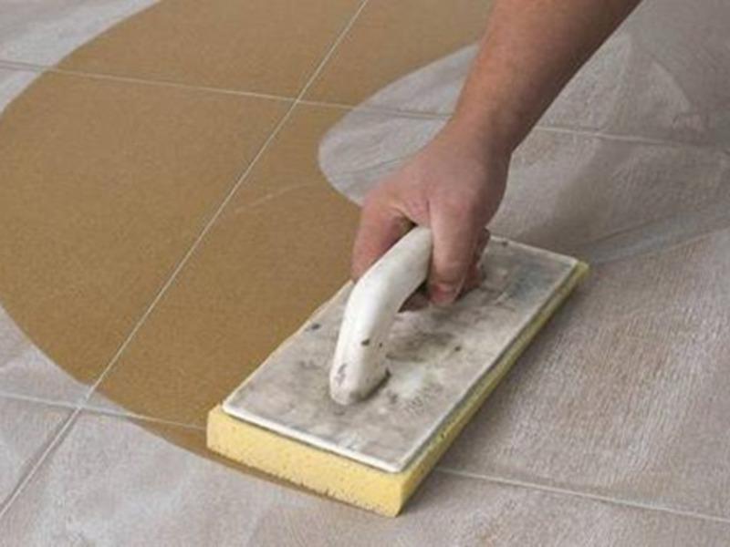 Затирка скроет дефекты укладки плитки