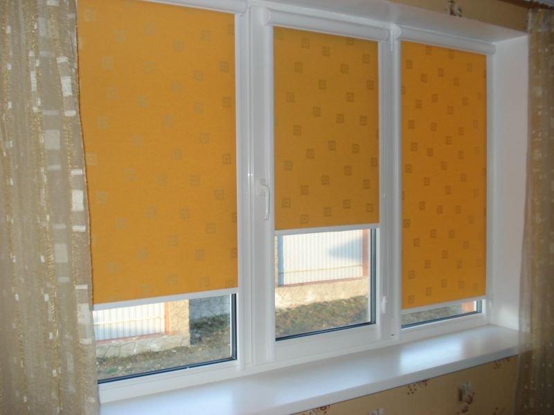 Закрытые рулонные шторы